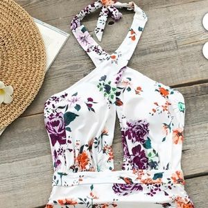 New CUPSHE white and floral swimsuit one piece